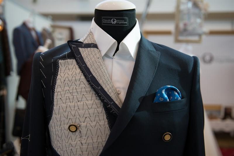Luxury brand Claudiu Ungureanu – sentimentul unicității și emoția transmisă de creațiile vestimentare realizate în maniera bespoke